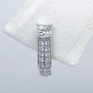 ダイヤモンドイヤリング