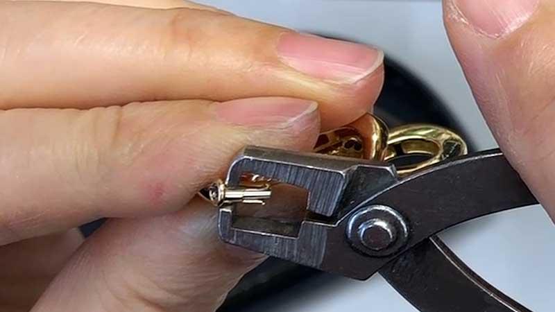 ブローチ金具の制作