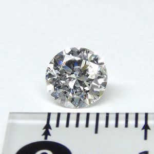 ラウンドカットダイヤモンド