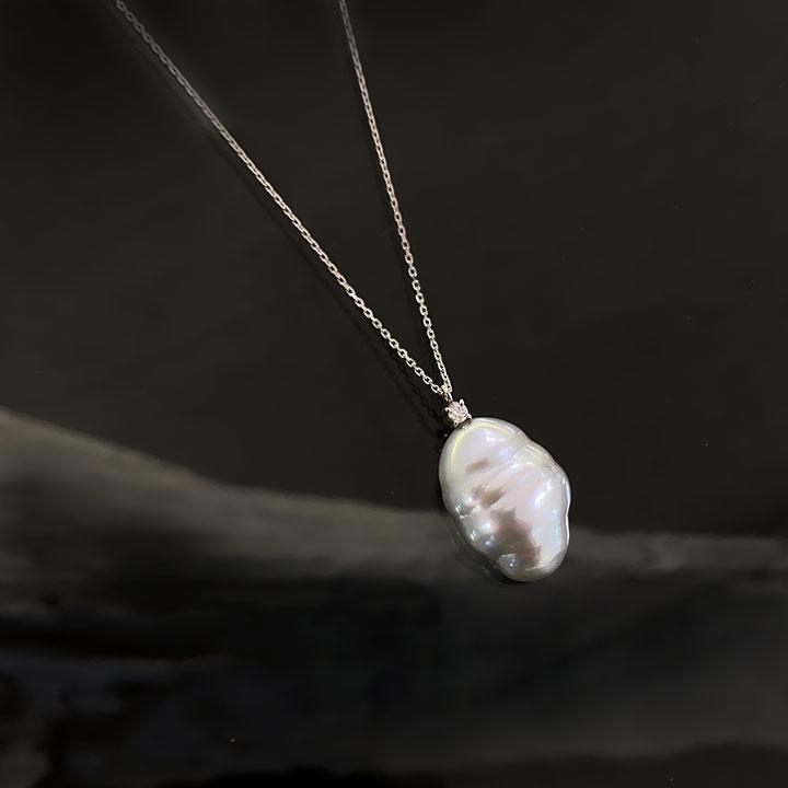 南洋白蝶パールのペンダントネックレス